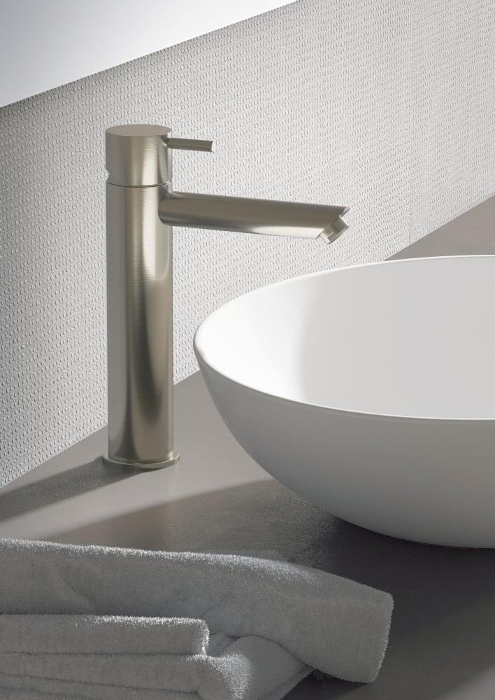 Hotbath Cobber 1-hendel wastafelmengkraan 21,6 cm hoog met rechte uitloop van 13,5 cm, chroom/zwart