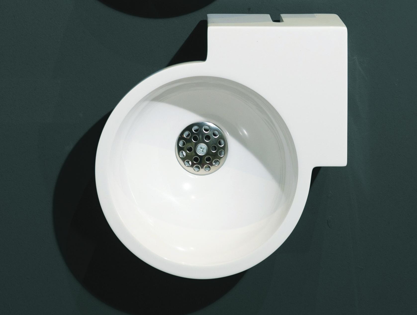 Luca Sanitair Luva hoek wandfontein van mineral stone 28 x 28 x 12 cm, glanzend wit