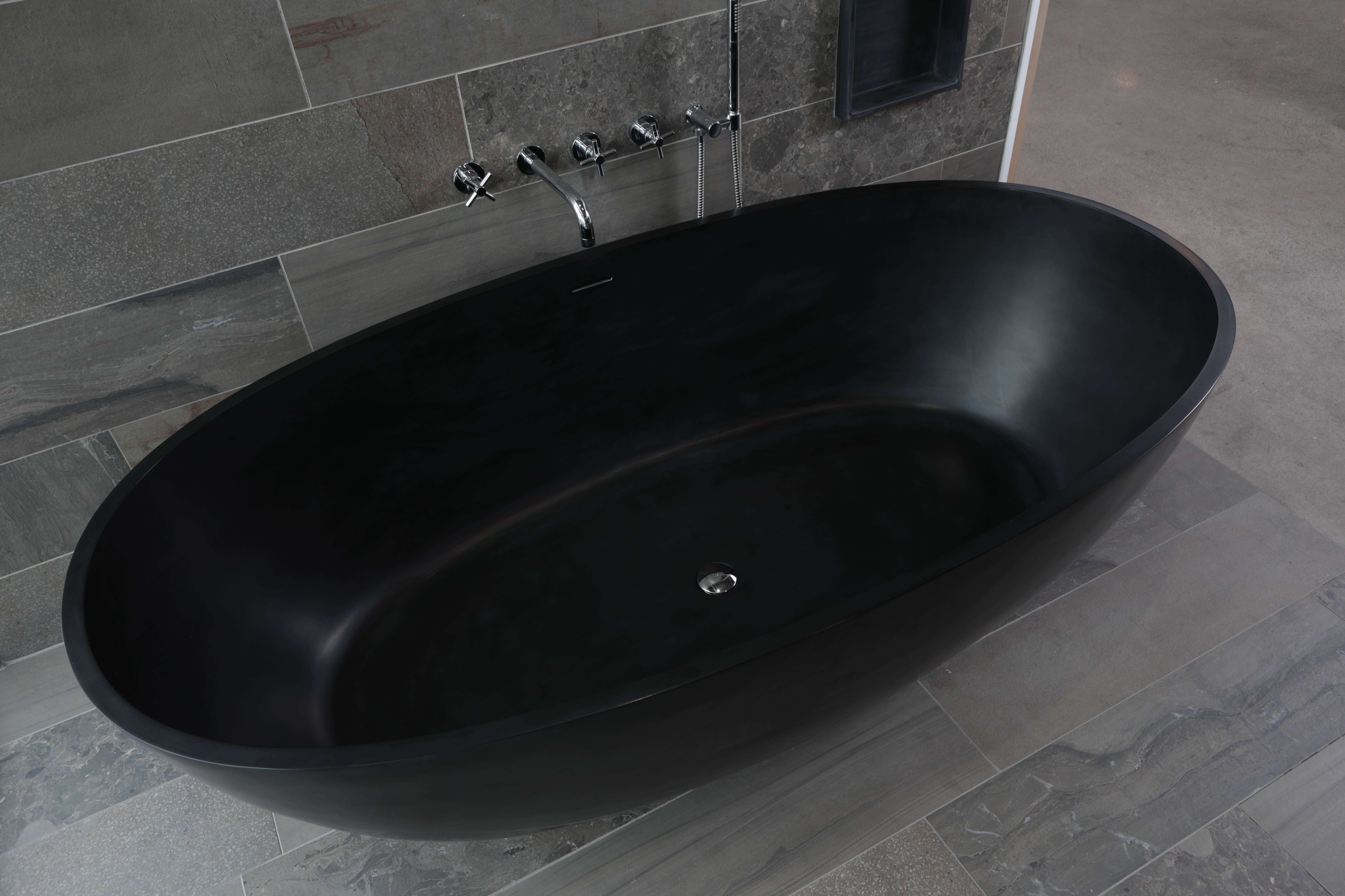 Luca Sanitair Luva vrijstaand bad van solid surface inclusief afvoerset chroom 180 x 80 x 60 cm, mat