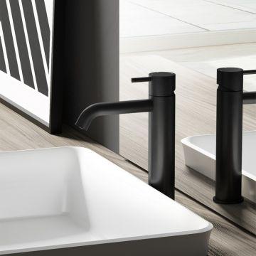 Hotbath Cobber 1-hendel wastafelmengkraan 21,6 cm hoog met gebogen uitloop van 13,5 cm, mat zwart